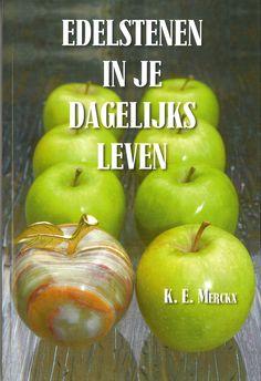 Het meest praktische en helder boek over edelstenen Hoe werk je ermee? Welke edelsteen dient voor wat? Hoe kan ik ze gebruiken? een aanrader!!
