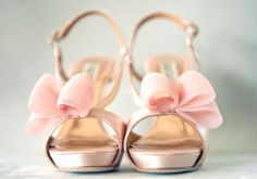 Wedding accessories. Bridal shoes. Pink wedding shoes. Wedding shoes with bow.