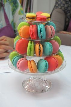 To be Gourmet: macarons paso a paso Delicious Desserts, Dessert Recipes, French Macaroons, Sweet Bar, Sin Gluten, Cakes And More, Dessert Table, Eat Cake, Sweet Recipes