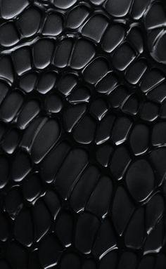 se puede observar los elementos que lo componen en cuanto a sus formas, y que estas formas estan en constante cambio en cuanto a su tamaño y a su forma. tambien se puede identificar que es una textura tactil ya que se pueden notar que tiene ciertos relieves.