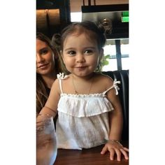 I swearrrr I'd die to have little girl like this with you My Brendaaaaaa. Cute Family, Baby Family, Family Goals, Cute Kids, Cute Babies, Baby Kids, Summer Airplane Outfit, The Ace Family Youtube, Austin And Catherine