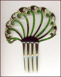 Vintage hair comb-was it upcycled from a fork i wonder...