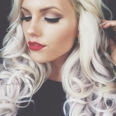 Makeup Colors for Blondes with Blue Eyes