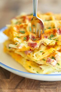 Brunch Recipes Ham and Cheese Hashbrown Waffles - Crunchy, yet silky smooth hashbrowns made rig. Hashbrown Waffles, Savory Waffles, Cheese Waffles, Potato Waffles, Brunch Recipes, Breakfast Recipes, Breakfast Ideas, Breakfast Pizza, Tortilla Wraps