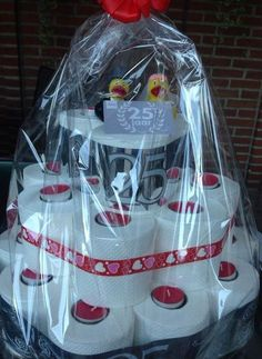 Corona Cake, Toilet Paper Cake, Abraham And Sarah, Happy B Day, Wedding Crafts, Craft Gifts, House Warming, Baby Car Seats, Diy And Crafts
