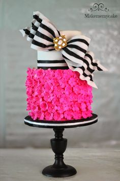 Hot Pink Super Bow Cake | Makemememycake