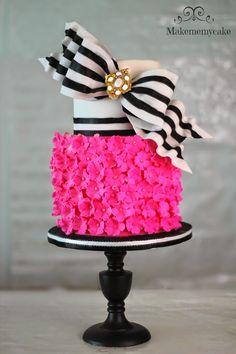 Hot Pink Super Bow Cake   Makemememycake