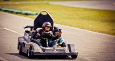 Piste de karting dans la région de Thetford. Plusieurs circuits de niveaux variés.  tourismeregionthetford.com #famille #karting #kart #piste #destination #course