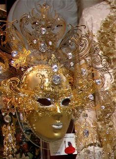 golden glittery mask Venitian Mask, Masquerade Party, Masquerade Masks, Beautiful Mask, African Masks, Mardi Gras, Gold Glitter, Carnival, Hair Beauty