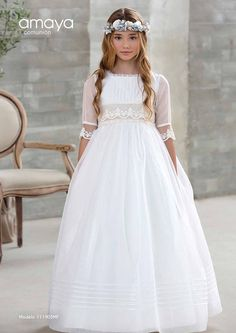 Amaya Comunión 2018 | Centro Novias Albolote Girls Communion Dresses, Girls Dresses, Flower Girl Dresses, Confirmation Dresses, First Communion, Pretty Dresses, Bridal Gowns, Girl Fashion, Kawaii