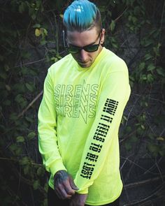 """Justin Hills on Instagram: """"Yeah I wear my own merch, so what? You can get one too! Check out the pre-orders for How It Feels To Be Lost @sleepingwithsirens…"""" Weezer, Sleeping With Sirens, Kellin Quinn, Emo Scene, Green Day, Fall Out Boy, Get One, Feelings, Bands"""