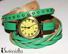 Zegarek na skórzanej bransolecie z plecionką