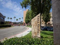 3440 Lebon 4319, San Diego, CA 92122. 2 bed, 2 bath, $399,000. RUN, DON'T WALK to t...