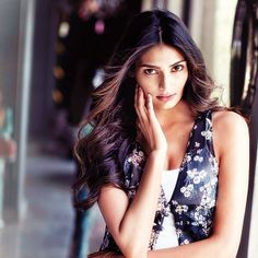 #AthiyaShetty has a soft spot for ANIMALS | #respect