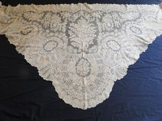 SUPERB 19THC.BRUSSELS POINT DE GAZE LACE TRIANGULAR SHAWL     (Item #AL368)