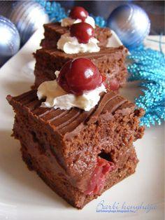 Meggyes-gesztenyés kocka - Blogkóstoló 6. Poppy Cake, Xmas, Christmas, Muffin, Food And Drink, Cukor, Inspiration, Biblical Inspiration, Navidad