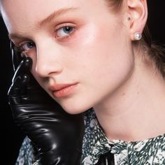 Backstage at Shrimps, London Fashion Week. Get this pearlescent skin look with MAC Lightful C Marina Bright Formula Essence and MAC Face and Body Foundation. Mac Face And Body, Body Foundation, Aw17, Summer Makeup, Summer Colors, London Fashion, Backstage, Makeup Looks, Make Up