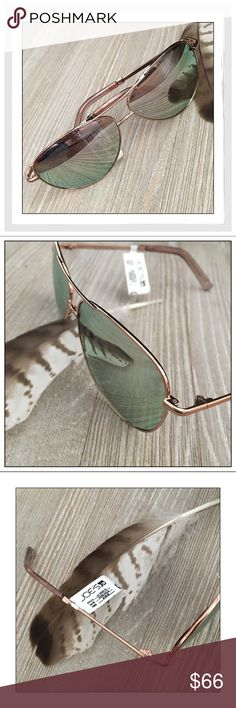 ✨Joe's Jeans Rose Gold Aviator Sunglasses✨ ✨Joe's Jeans Rose Gold Aviator Sunglasses✨Classically Designed Rose Gold Aviators Polish Your Outfit Beautifully✨Thin Metal Frames With Gradient Lenses✨Lens-62mm/Bridge-12mm/Arm-130mm✨100% UV A&B Protection✨Comes With A Soft Pouch✨NWT✨ Joe's Jeans Accessories Sunglasses