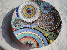 mosaic bowl by Regina French . Mosaic Birdbath, Mosaic Pots, Mosaic Glass, Mosaic Tiles, Fused Glass, Glass Art, Tiling, Stained Glass, Mosaic Crafts