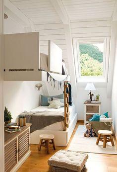 柱の無い壁据え付けの二段ベッド.jpg
