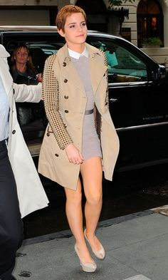 Emma Watson Shows Why She's The Poster Girl For Burberry In A Studded Trench Coat And Carven Dress, November 2010 Emma Watson Sexiest, Emma Watson Beautiful, Emma Watson Estilo, Enma Watson, Her Style, Celebrity Style, Celebs, Female Celebrities, Beautiful Celebrities