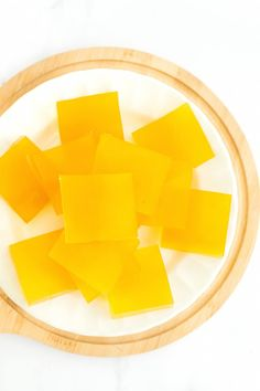 These gummies contain apple cider vinegar, which can be alkalizing for the body . Cold Home Remedies, Natural Remedies For Anxiety, Natural Cures, Natural Health, Natural Skin, Hot Apple Cider, Apple Cider Vinegar, Tumeric And Ginger, Grass Fed Gelatin