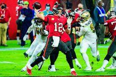 Bucs QB Tom Brady throws a pass against the Saints Sports Action Photography, Saints Vs, Tom Brady, Football Helmets, Nfl, Toms, Sunday, Night, Domingo