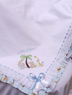 Linda Manta para bebê tema Safari. Fazemos outros temas*** consulte** Feita em tecido Piquet e forro em tricoline 100% algodão. Com acabamento em bordado inglês e babado em pregas .em tecido tricoline 100% algodão. Poderá ser feita em outras opções de desenho e cores tanto para menino como...