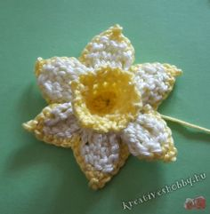 Diy And Crafts, Arts And Crafts, Knitted Flowers, Blogger Themes, Diy Flowers, Daffodils, Ravelry, Sewing Crafts, Unique Gifts