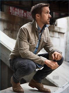 Ryan Gosling Covers InStyle Men Germany, Talks 'Blade Runner & Harrison Ford Going casual, Ryan Gosling appears in a photo shoot for InStyle Men Germany. Rugged Style, Rugged Look, Harrison Ford, Blade Runner, Ryan Gosling Style, Ryan Gosling Fashion, Ryan Gosling Suit, Stylish Men, Men Casual