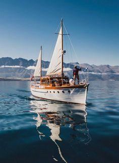 Late Night Randomness (25 Photos) - Suburban Men Ski Nautique, Sailboat Living, Buy A Boat, Boat Painting, Used Boats, Sail Away, Boat Plans, Wooden Boats, Tall Ships