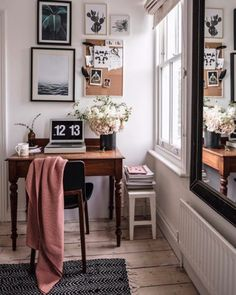Compact desk nook with little vintage wooden desk and midcentury modern arm chair. Litte gallery wall and white floorboards. Cool Office Space, Office Nook, Office Workspace, Desk Nook, Home Office Design, Home Office Decor, Office Furniture, White Floorboards, Casa Milano