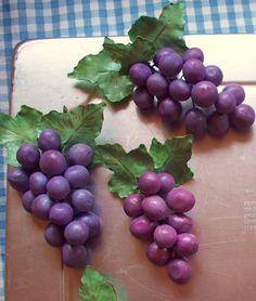 Grape Clusters gumpaste