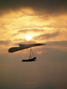 Adventure and Extreme Sports Music Video Planes, Hang Gliding, Fun Outdoor Activities, Cool Posters, Sports Posters, Art For Sale Online, Sailing Outfit, Recreational Activities, Above The Clouds