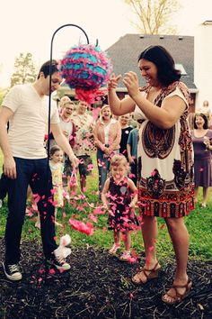 Finding out if baby is a boy or a girl? Here are 8 fun ideas for you baby gender reveal with siblings so that your child can be involved in the fun!