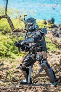 This Mandalorian In Hawaii Cosplay Is Star Wars Paradise