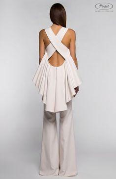 Pintel™ Store — LIANYELIS — designer women's slim-fit flounced jumpsuit with open back Foto Fashion, Hijab Fashion, Fashion Dresses, Dress Dior, Chic Outfits, Girl Outfits, Fashion Details, Fashion Design, Fashion Trends