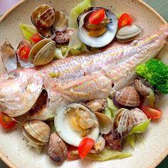 今宵はいとよりちゃんを煮付けようかと思ってたけど、アサリが安くてGetついでにチビ〜ズ食べやすい洋食に 濃厚スープがとぉっても美味しく出来ました - 97件のもぐもぐ - Sake-Steamed clams&Golden threadfin breamいとより鯛de和風アクアパッツァ by honeybunnyb