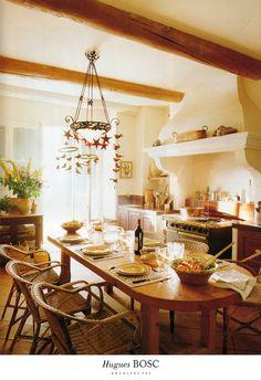 Notre cuisine - Hugues BOSC Architectes et Sophie BOSC décoration - Un mas perdu dans les Alpilles en Provence