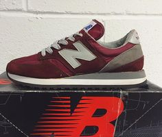 We love a delivery day here at @newbalance_gallery and none more so than when they arrive in an old black and red box  Our own @glasgowrob with these early 90's M730 Made in USA simply sublime! Keep it locked for detailed pics later. #nbgallery #NewBalance #madeinUSA by newbalance_gallery