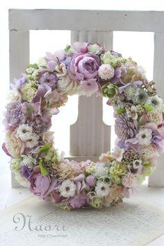 ローズとホップ 木の実のリース Wreath Rose and hops treenuts Spring Door Wreaths, Easter Wreaths, Summer Wreath, Christmas Wreaths, Wreath Crafts, Diy Wreath, Wreath Ideas, Deco Floral, Arte Floral