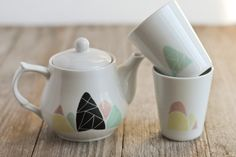 Mountains teapot and 2 cups 28€ via etsy.com