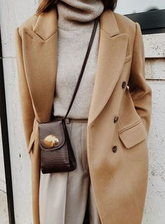 Camel coat Front Row Double-breasted Wool Coat , Arket Cashmere Turtleneck Jumper , Arket Wool Flannel trousers , Little Liffner Camera Bag Winter Fashion Outfits, Casual Winter Outfits, Look Fashion, Fall Outfits, Autumn Fashion, Flannel Outfits, Fashion Coat, Fashion 2020, Winter Dresses
