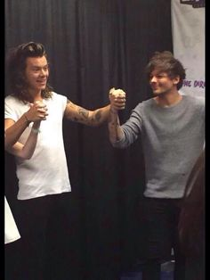 larry stylinson my hands your hands tied up like two ships
