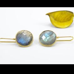 Summerliscious Gold plated silver earrings with labradorite. The blue hues of the labradorite will get you all the attention you deserve ! :)