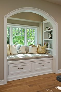 Beautiful bench seat! The shelving on either side of it is a great idea! Stunning bay window!  #baywindow #bench #shelving