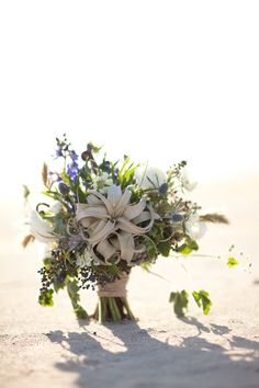 seaside bouquet // photo by Erin Kate Photography // floral design by Petal Pixie