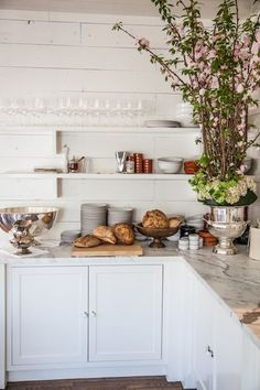 Just Beautiful + Open Shelving, Marble, White Counters & Silver (Tastemaker Larry McGuire Of Josephine House In Austin Elizabeth Winslow For Camille Styles) Kitchen Interior, Kitchen Inspirations, Beautiful Kitchens, Home Decor Trends, Kitchen Remodel, Kitchen Decor, Kitchen Dining Room, Home Kitchens, Trending Decor