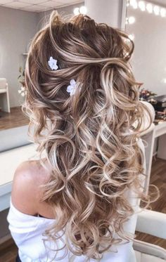 57 Gorgeous Wedding Hairstyles For A Gorgeous Rustic Barn Wedding - Blown away with these 57 Beautiful Messy wedding hair ,textured updo, half up half down bridal hair - Half Up Wedding Hair, Wedding Hairstyles Half Up Half Down, Elegant Wedding Hair, Wedding Hair And Makeup, Gown Wedding, Wedding Updo, Wedding Dresses, Elegant Bride, Wedding Hair Down Styles