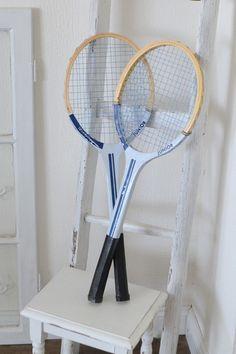Zwei+schöne+alte+Kinder-Tennisschläger+von+himmelweiß+auf+DaWanda.com